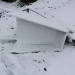 Дождь переходящий в снег, с сильным ветром, снес тележку. 18 мая