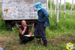 Пчеловоды Старчевский Андрей и Евгений планируют работу