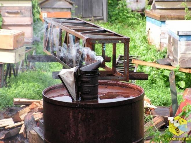 Дымарь во время дождя