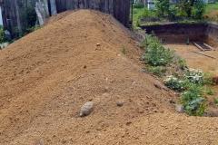 Гора грунта