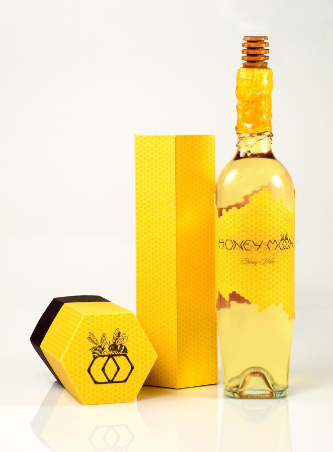 Бутылка вина «HONEY MOON»