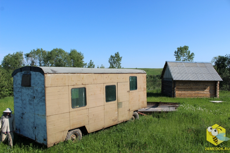 16 июня установили вагон на пасеке