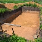 Готовая яма под омшаник. Теперь можно класть кирпич