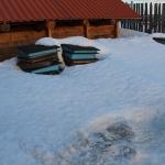 Снег тает плохо, слишком белый :)